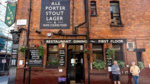 British pubs reopening